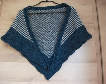 Scarf/shawl/scarf, trim and openwork base, body with stripes, blue and gray shiny points Openwork, one size