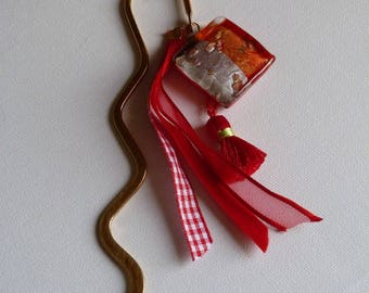 BOOKMARK FOR BOOK RED AND GOLD