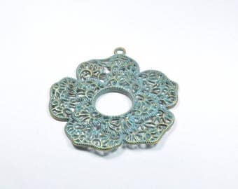 BR653 - 1 large flower charm in bronze patina