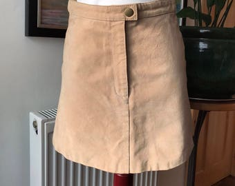 Tan suede skirt, vintage suede skirt, suede mini skirt, mini skirt, 1990s skirt, size S, leather mini skirt, suede skirt, gifts for her