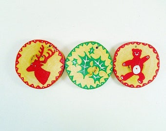 decorative Christmas/Christmas decoration/wood decorated by hand. bear, reindeer, Holly pattern.