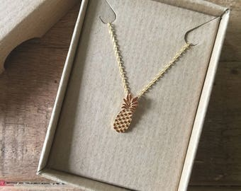 Pineapple necklace (2D)