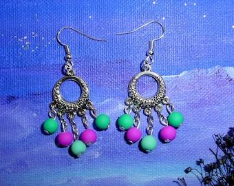 Dangling earrings multicolor synthetic pearls