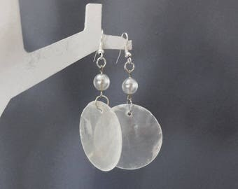Earrings with White Pearl and mother of Pearl