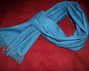 Blue linen and cotton scarf for men!