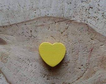 Yellow heart wood bead
