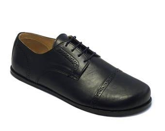 Handmade mens leather shoes/ captoe derby in quarter brogued matte black