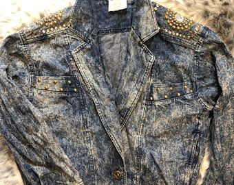 FREE SHIPPING 1980s Acid Wash Rhinestone Jean Jacket