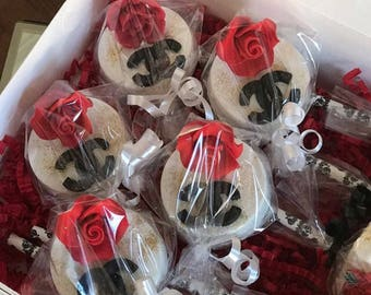 Chanel Inspired Chocolate Covered Oreos