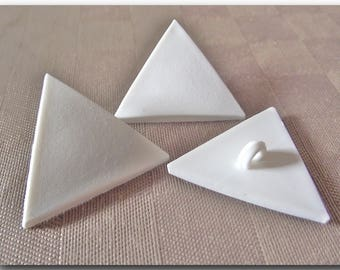 BUTTON White Triangle 2 sizes to choose 41 / 48 mm 4.1 cm or 30 / 34 mm shank 3 cm * button sewing