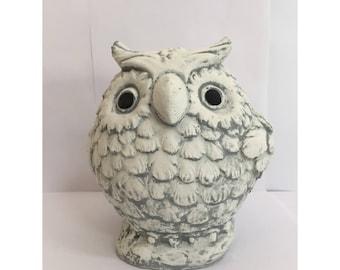 Owl beton sculpture