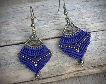 macrame earrings, gipsy boho style, hematite beads, glass seed beads, handcrafted earrings