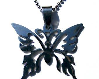 Pendentif papillon argenté sculpté en filigrane et chaine à boule argenté.