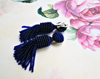 navy (blue) color/oscar de la renta/handmade/Short-tassel/clip with a brush