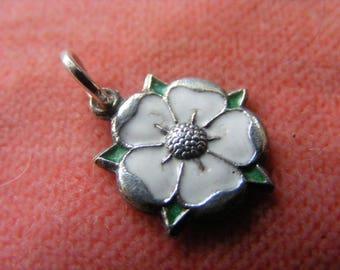 H) Vintage Sterling Silver Charm Enamelled Yorkshire Rose