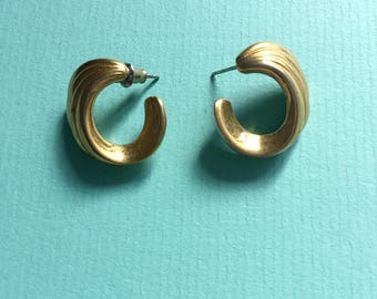 Vintage half hoop swirl 1940's earrings