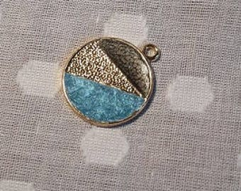 Small circle pendant with colour detail - charm - jewellery - geometric