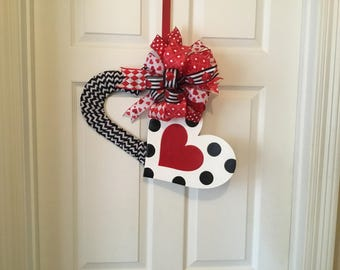 Polka dot valentine wreath, valentine wreath, valentine door hanger