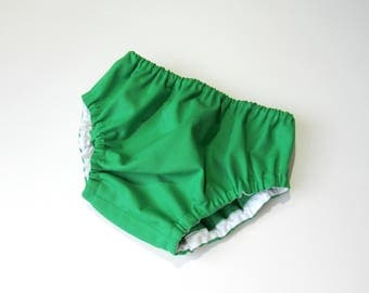 Green bloomers- Plain color diaper cover-Solid color bloomers-Baby gender neutral bloomers-Baby green nappy cover-Baby summer bloomers