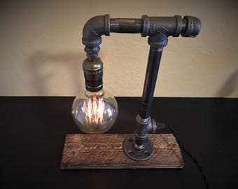 Table lamp etsy for Gas pipe desk lamp