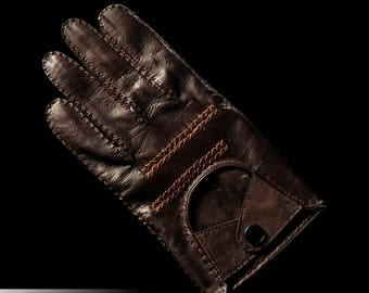 Driving hand made italian leather gloves