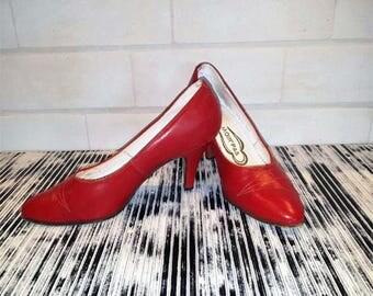 1970's shoes, Shoes woman, Retro shoes Pump shoes, Vintage shoes red, Retro heels Red heels shoes Retro red shoes USSR leather shoes 35 size