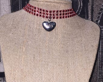 Charm name choker necklace