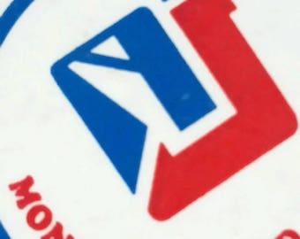 Vintage Montréal-Nord pinback button
