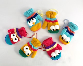Elmo mittens with string