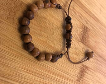 10 mm wood beaded bracelet with shamballa style