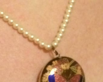 Vintage natural pearl necklace with cloisonné pendant