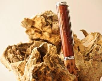 Pens, craft, precious wood, resins, DIY.