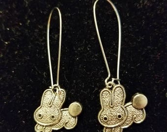 Boutique Silver Alloy Love of the Bunny... Cute Little Bunny Earrings  #C69