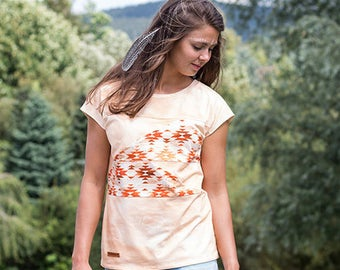 T-shirt with Indian print/Aztec pattern
