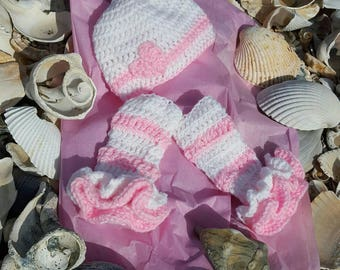 Newborn Valentine Hat and Leg Warmers