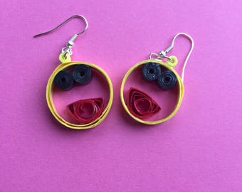 Quilled smiley face earrings
