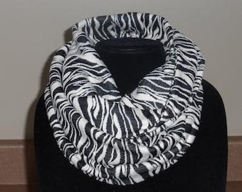 Black and white Jacquard knit