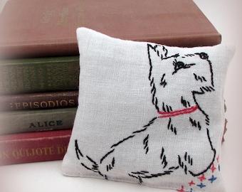 Large Dried Lavender Sachet - Vintage Scottie Dog Gift - Vintage Embroidered Linens - drawer sachet - bedroom - dog sachet - puppy