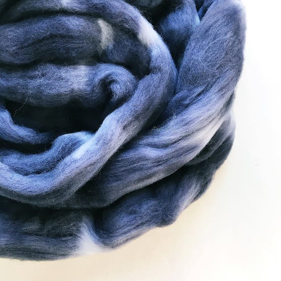 CHARCOAL hand dyed roving merino wool 3 oz.