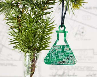 Circuit Board Erlenmeyer Flask Ornament, Geeky Christmas Ornaments, Chemist Gift, Holiday Garland Decor, Chemistry Teacher Gift, Techie