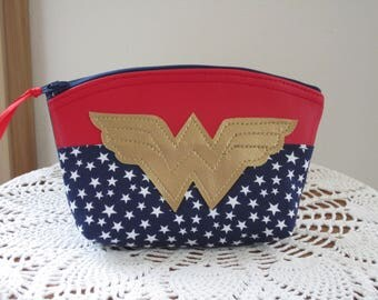 Retro WonderWoman Cosmetic Bag Clutch Purse Essential Oil Case