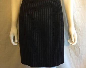 Closing Shop 40%off SALE 90s black white stripe skirt  EXPRESS size 3/4