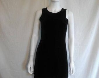 Closing Shop 40%off SALE 90's short black velvet dress size S small