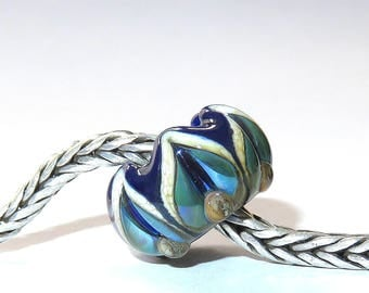Luccicare Lampwork Bead - Royal Lotus -  Lined with Sterling Silver