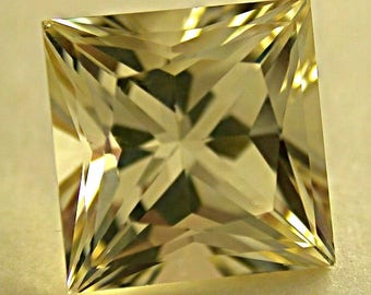 Vintage GOLDEN SUNSTONE Gemstone Faceted Princess Cut 3.63 cts fg82a