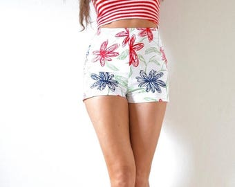 SUMMER SALE / 20% off Vintage 50s 60s Scribble Flower Print High Waisted Hot Pants (size small)