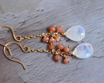14kt Gold Rainbow Moonstone Earrings - Peach Moonstone Cluster Earrings - Dainty Gold Dangle Earrings - Boho Earrings