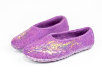 Girls slippers with butterflies decoration, Handmade kids slippers, Felted wool slippers for girls, Warm kids slippers