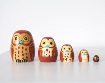 vintage. JAPAN. owl wooden wood nesting dolls. mid century modern decor.