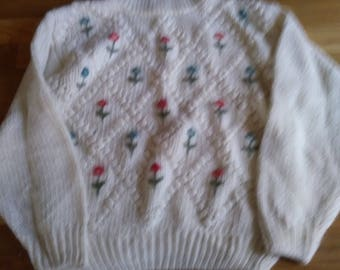 Small white floral knitted sweater - by Designers Originals
